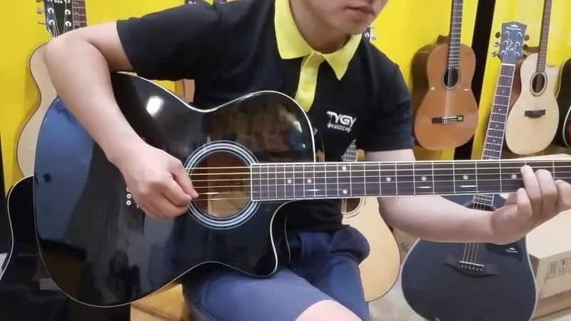 dan-guitar-morrison